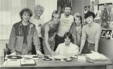 emi-signing-july-1982