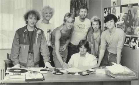 emi-signing-july-1982